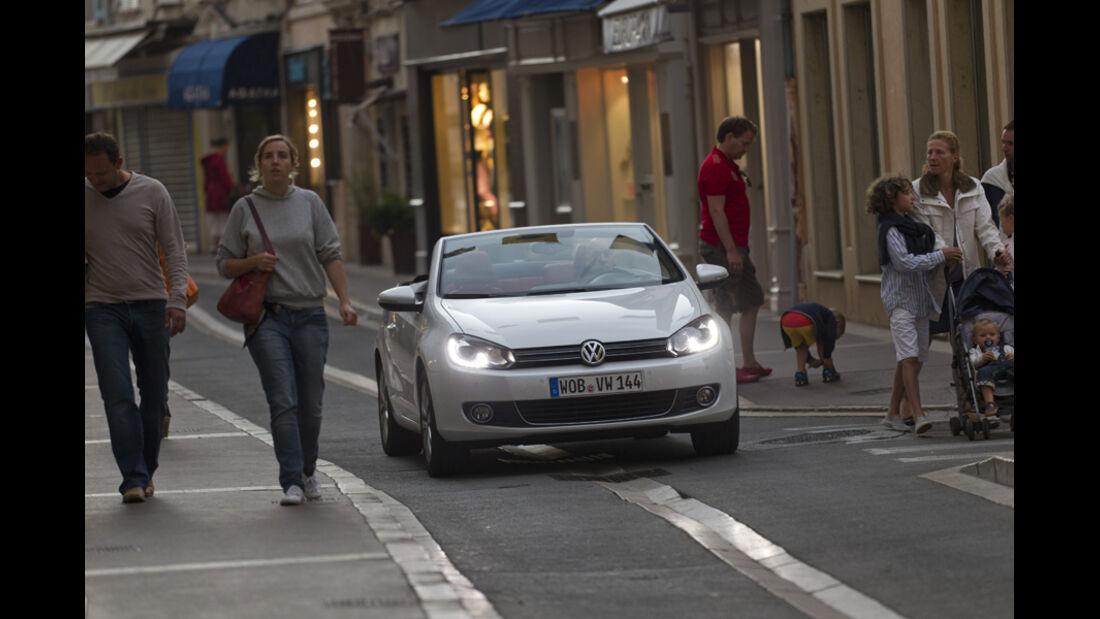 VW Golf Cabrio, Frontansicht, Stadt, offen