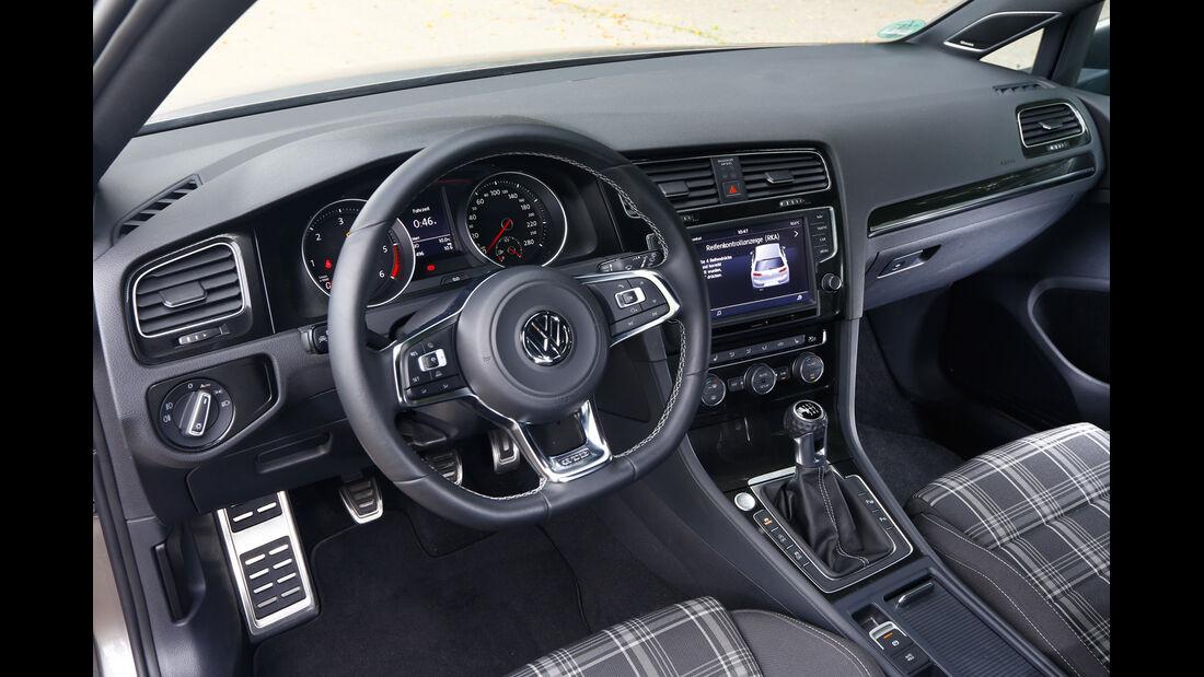 VW Golf GTD, Cockpit