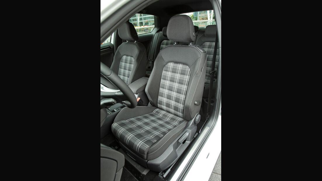 VW Golf GTD, Fahrersitz