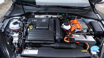 VW Golf GTE, Motor