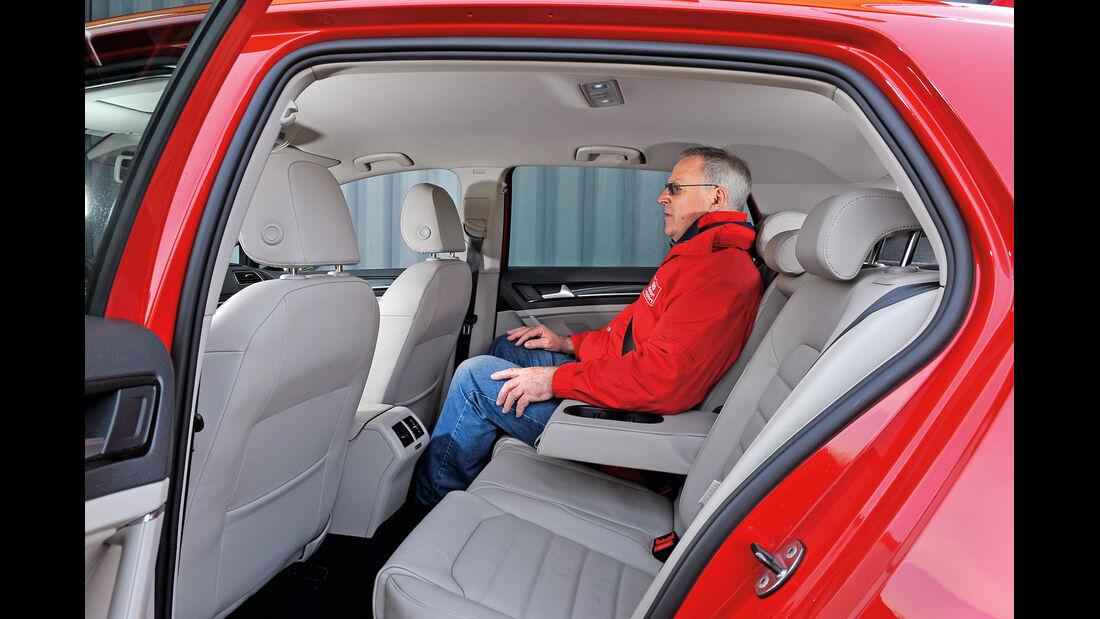 VW Golf GTI 2.0 TDI, Rücksitz, Beinfreiheit