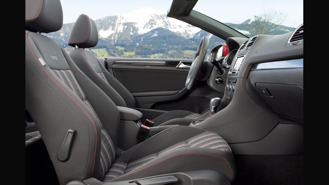 VW Golf GTI Cabriolet, Sitze, Vordersitze