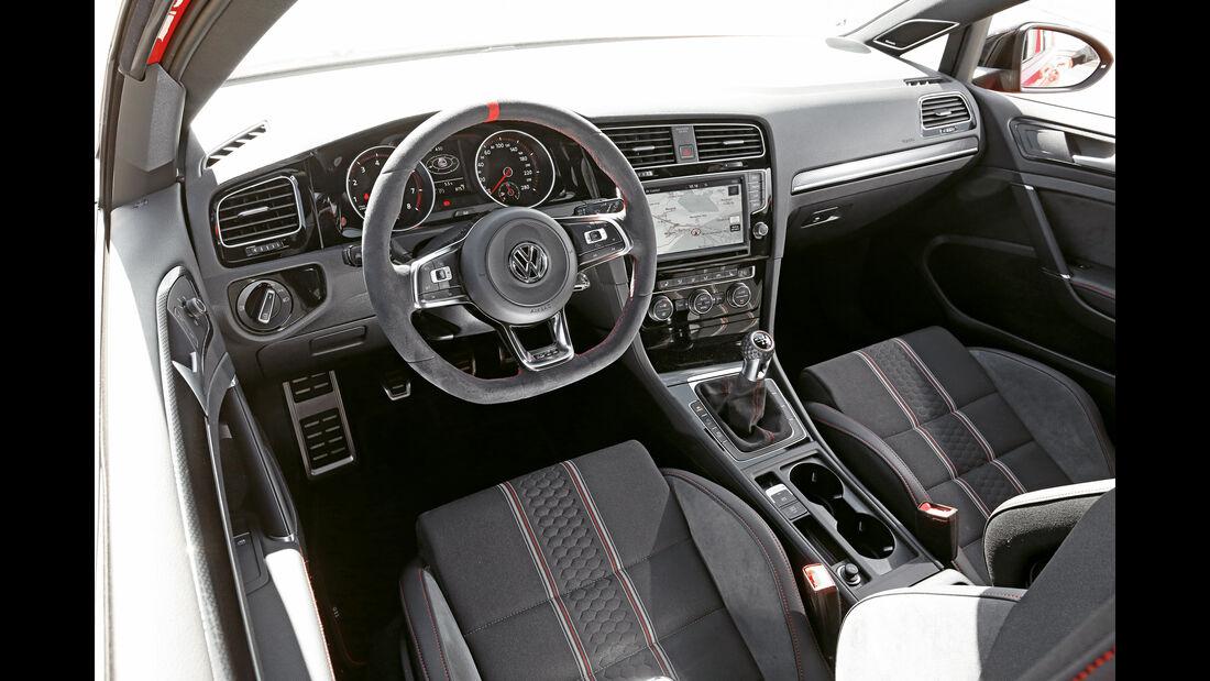 VW Golf GTI Clubsport, Cockpit