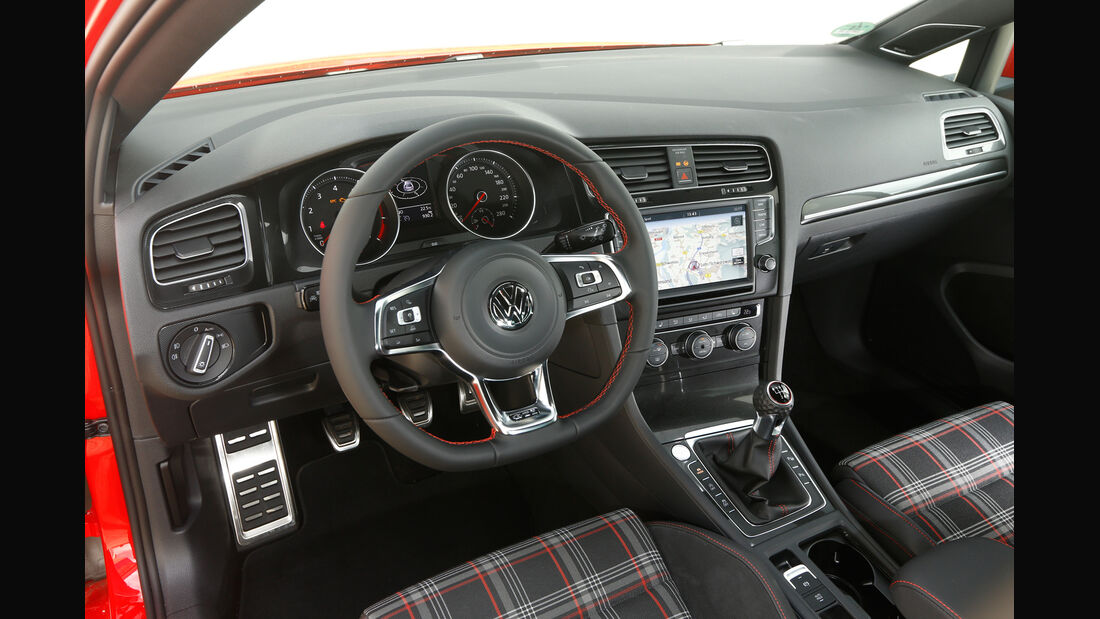 VW Golf GTI, Cockpit