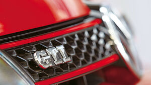VW Golf GTI Edition 35, Front, GTI Logo