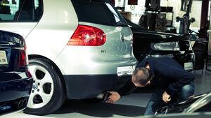 VW Golf GTI, Heckansicht, Unterboden