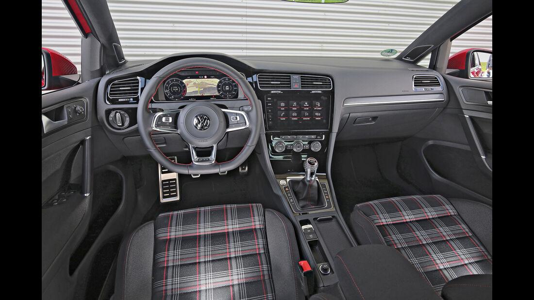 VW Golf GTI, Interieur