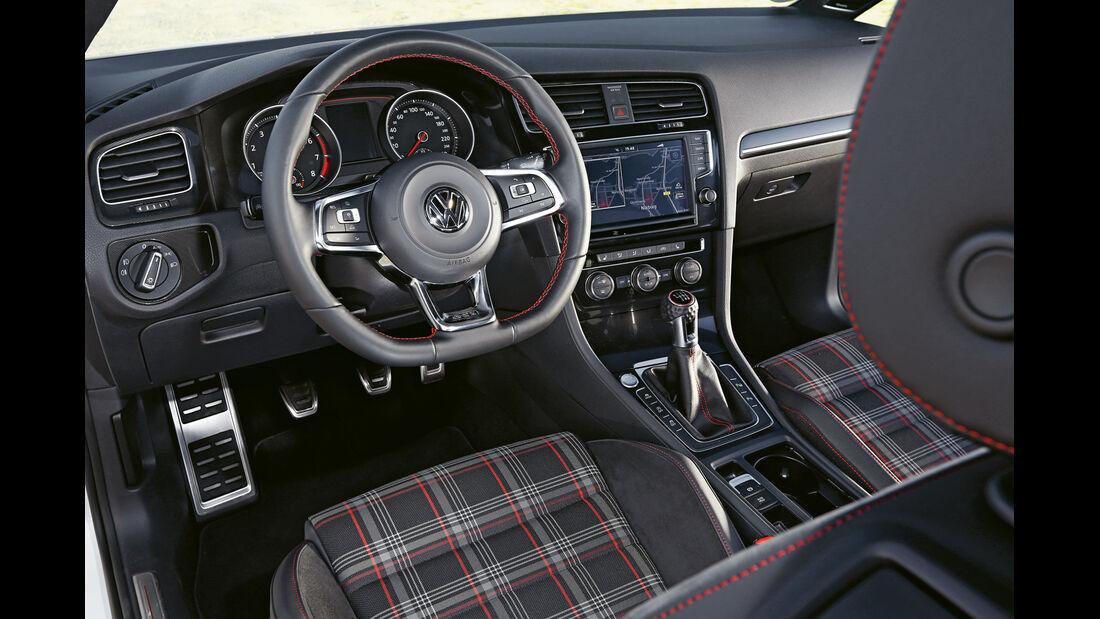 VW Golf GTI Performance, Cockpit