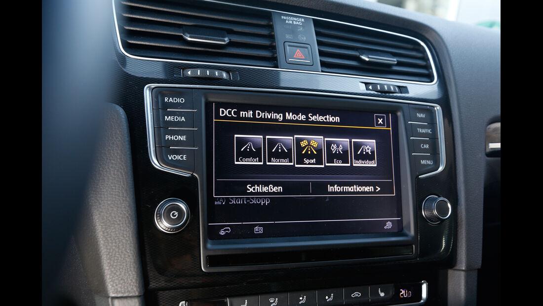 VW Golf GTI Performance, Mittelkonsole