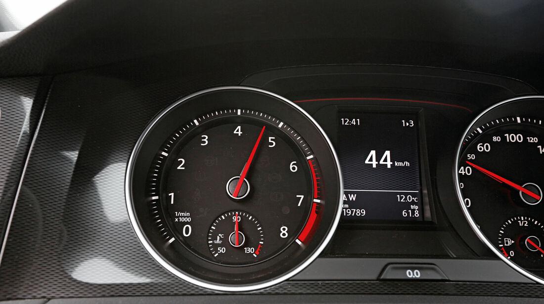 VW Golf GTI Performance, Rundinstrumente