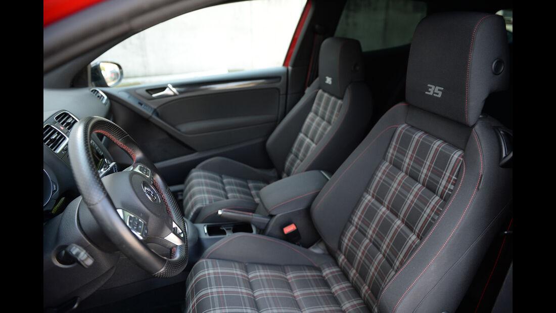 VW Golf GTI, Sitze