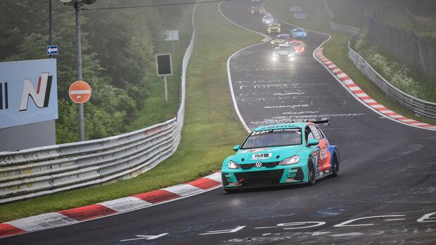 VW Golf GTI TCR - Max Kruse Racing - Startnummer #10 - 24h-Rennen Nürburgring - Nürburgring-Nordschleife - 6. Juni 2021