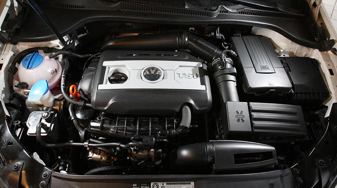 VW Golf GTI vs Golf GTD