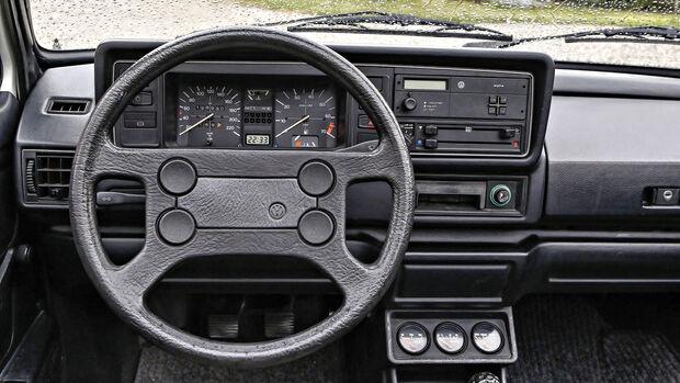 VW Golf I Cabrio 1.8, Interieur