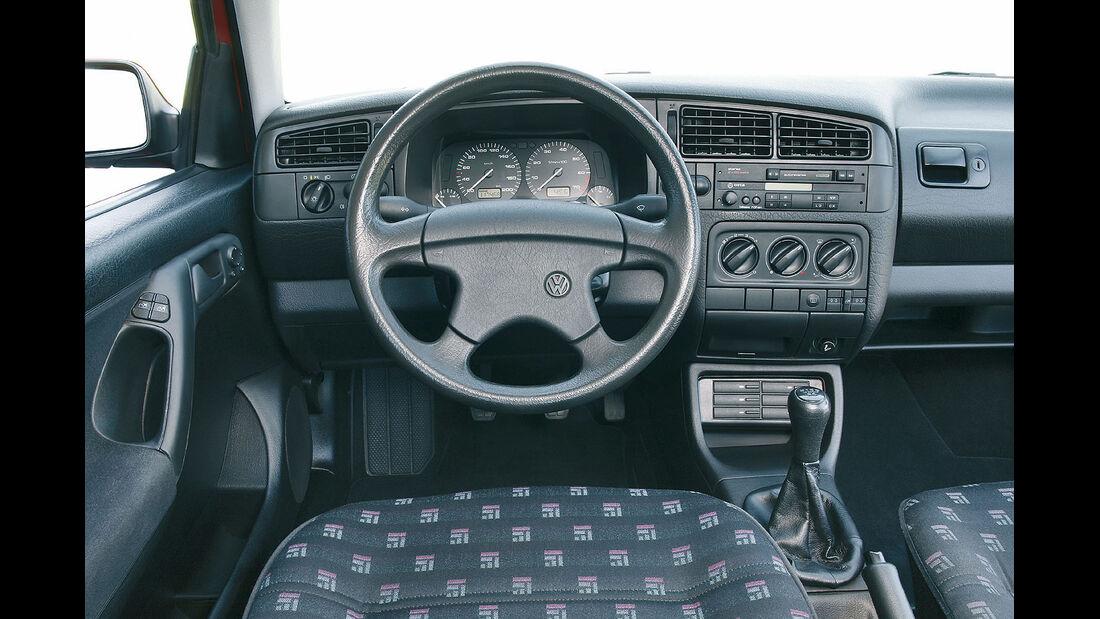 VW Golf III Innenraum Cockpit