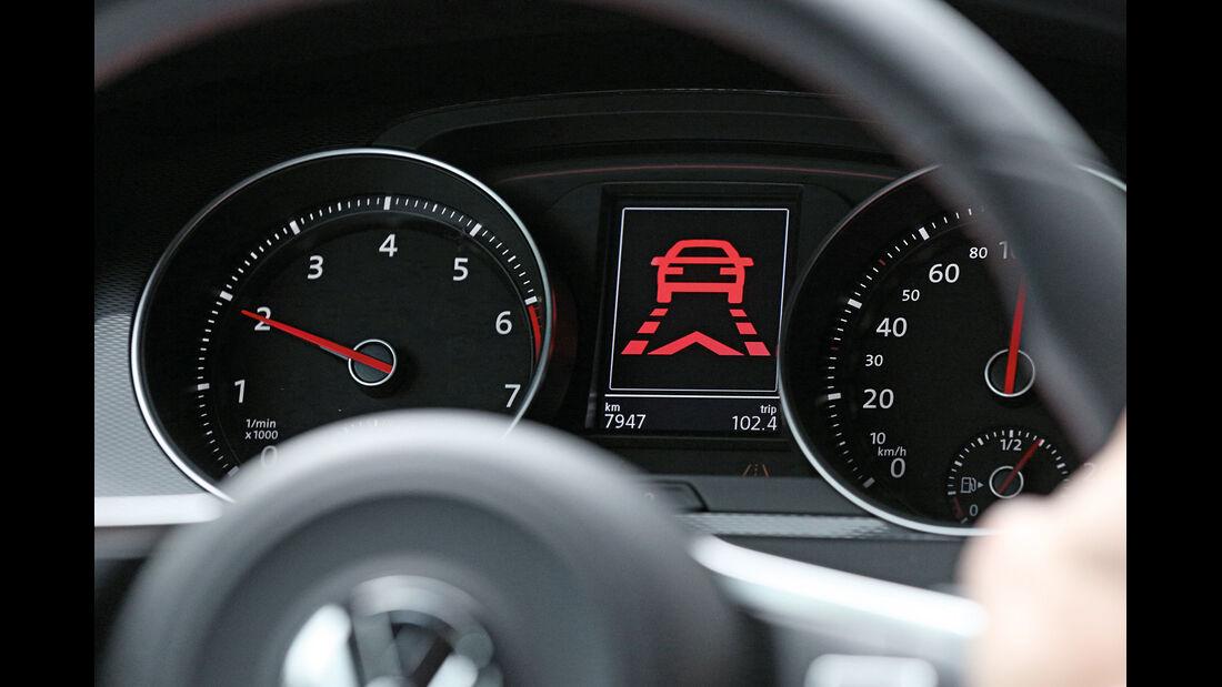 VW Golf, Notbremsassistent