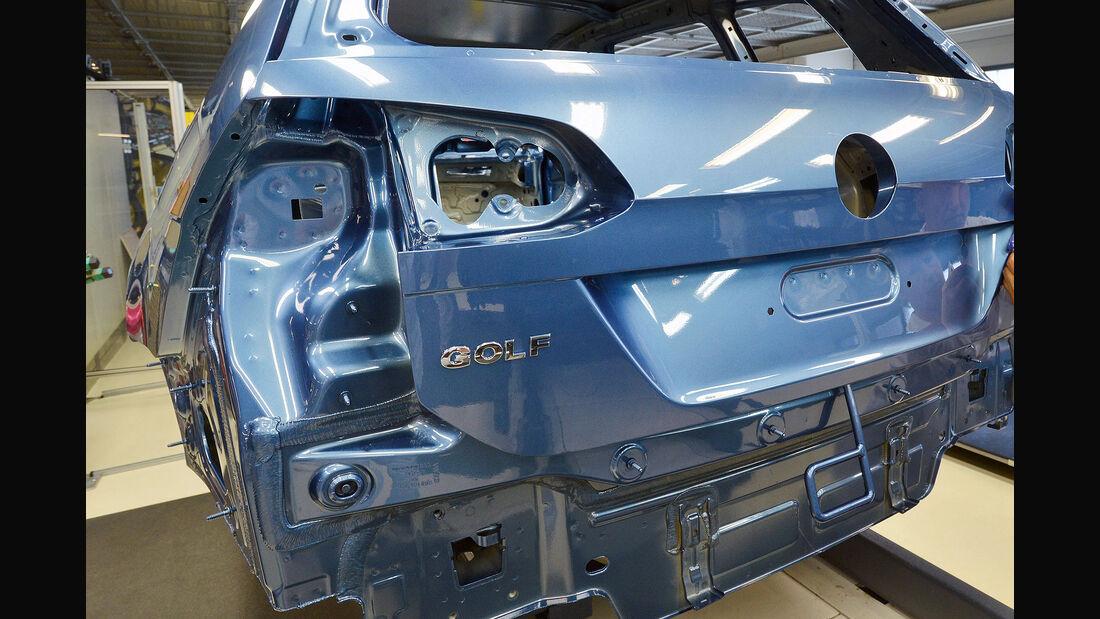 VW Golf Produktion ausgeschlachtet