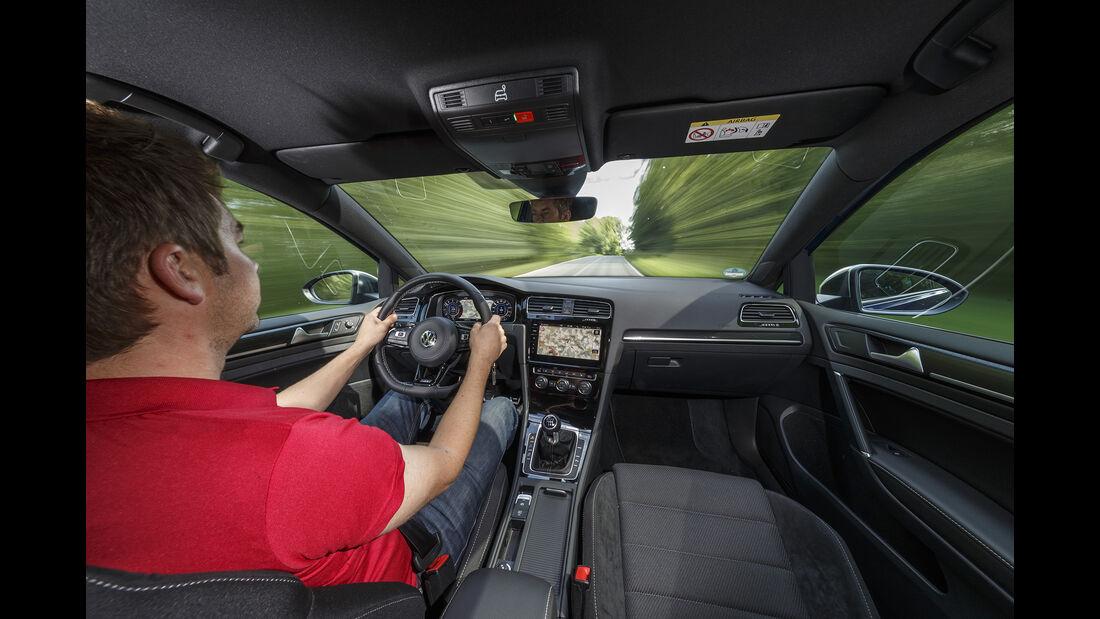 VW Golf R 2.0 TSI 4 Motion, Interieur