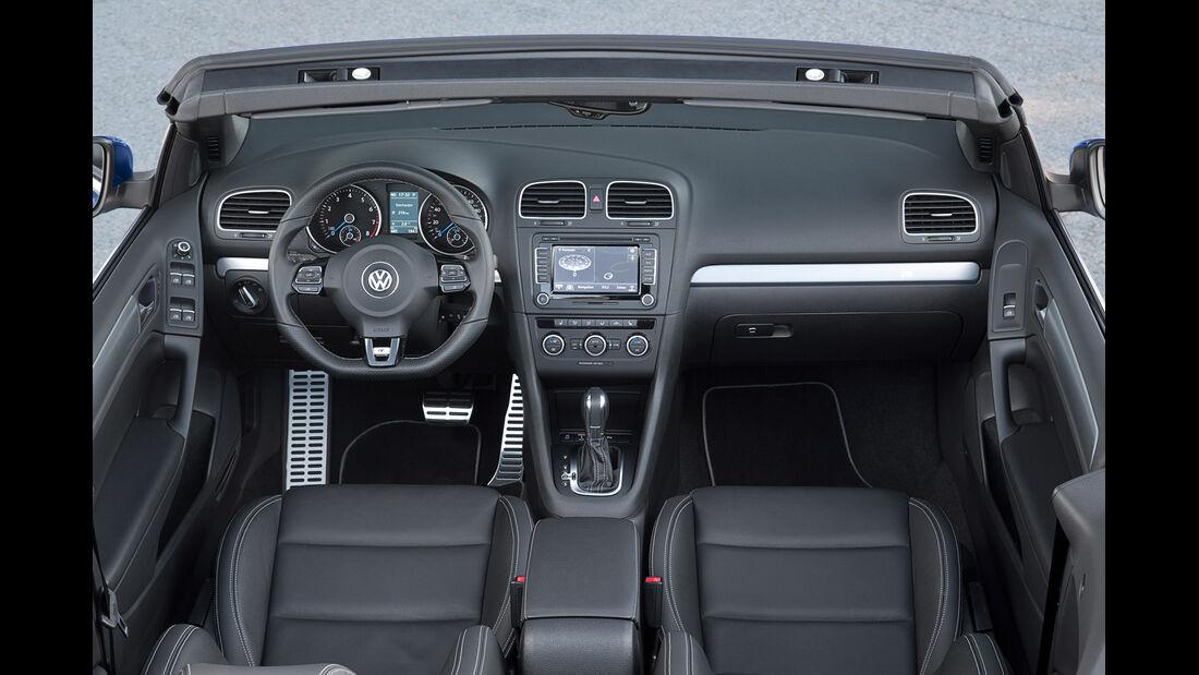 VW Golf R Cabriolet, Cockpit