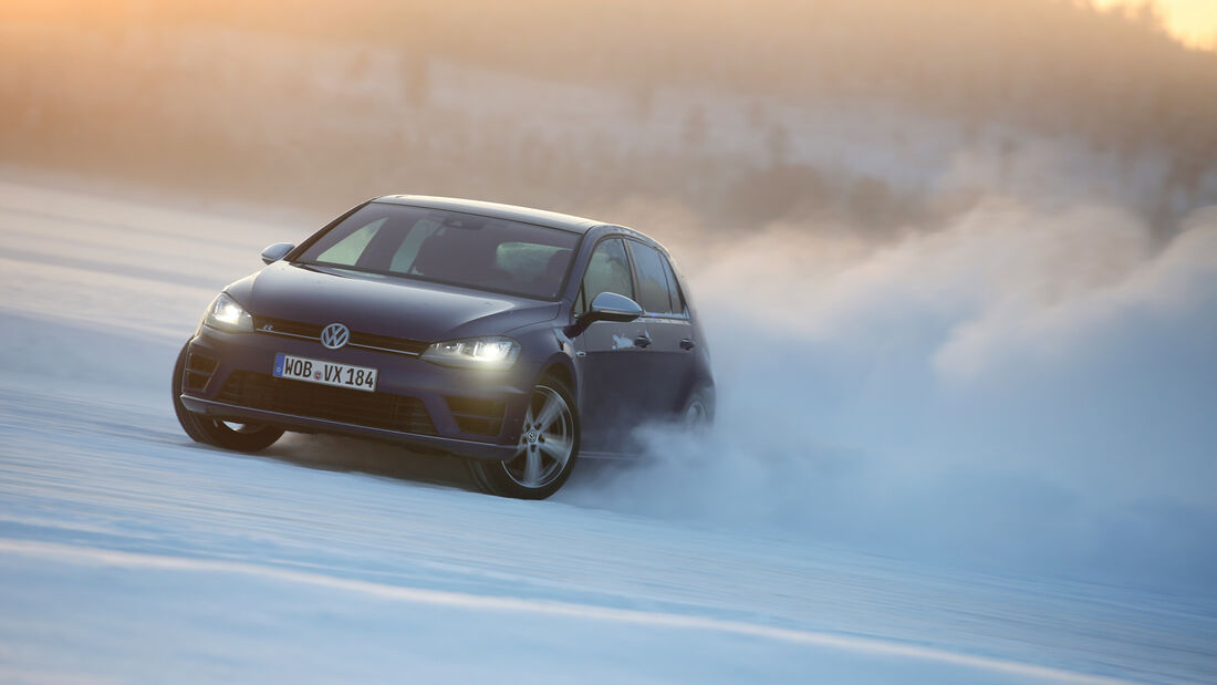 VW Golf R, Frontansaicht, Driften