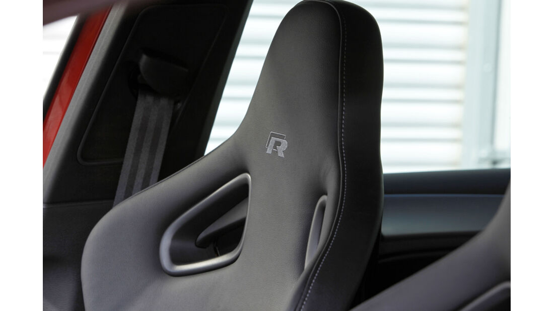 VW Golf R, Kopfstütze