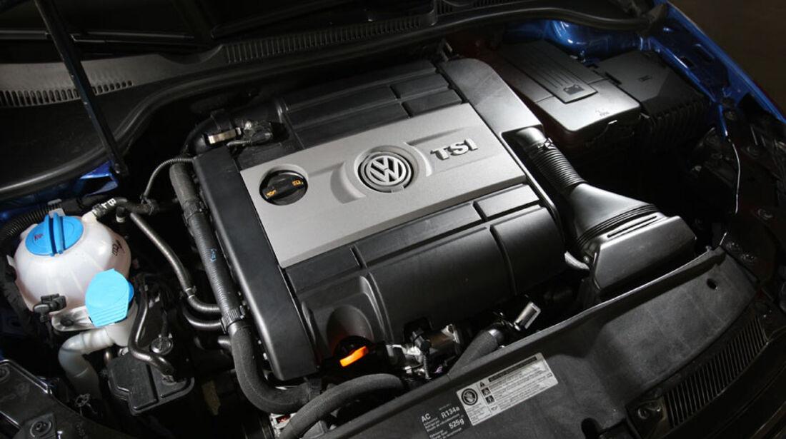 VW Golf R, Motor