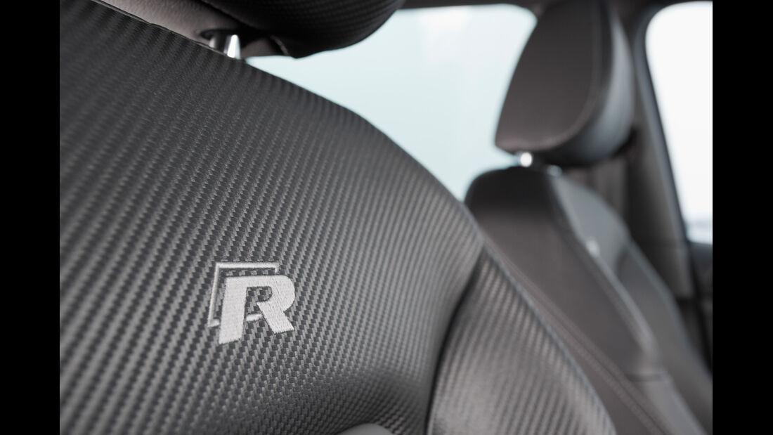VW Golf R, Sitzbezug