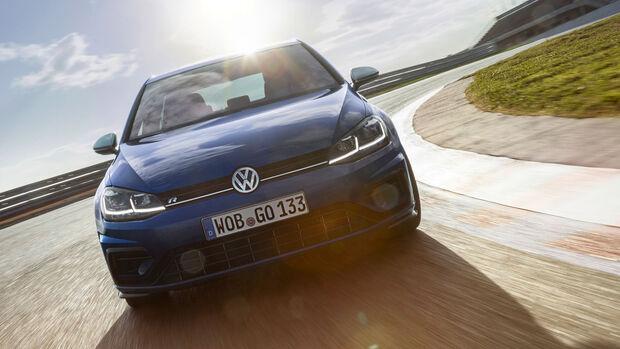 VW Golf R VII (2017) - Kompaktsportwagen - Fahrbericht