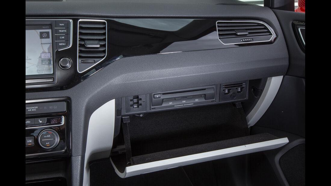 VW Golf Sportsvan 1.4 TSI, Hanschuhfach