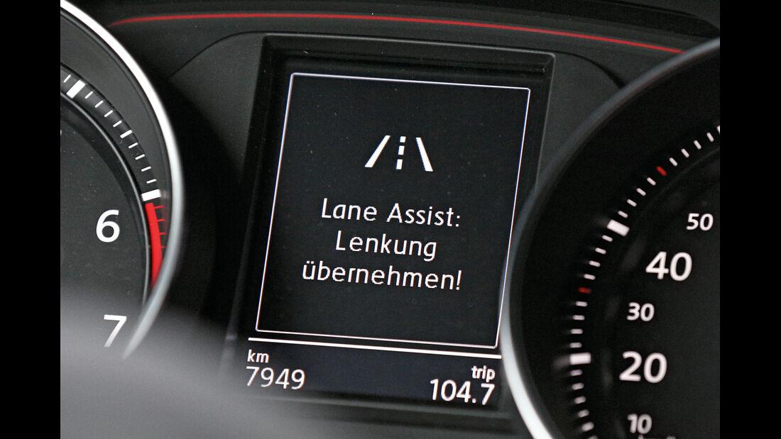 VW Golf, Spurhalteassistent