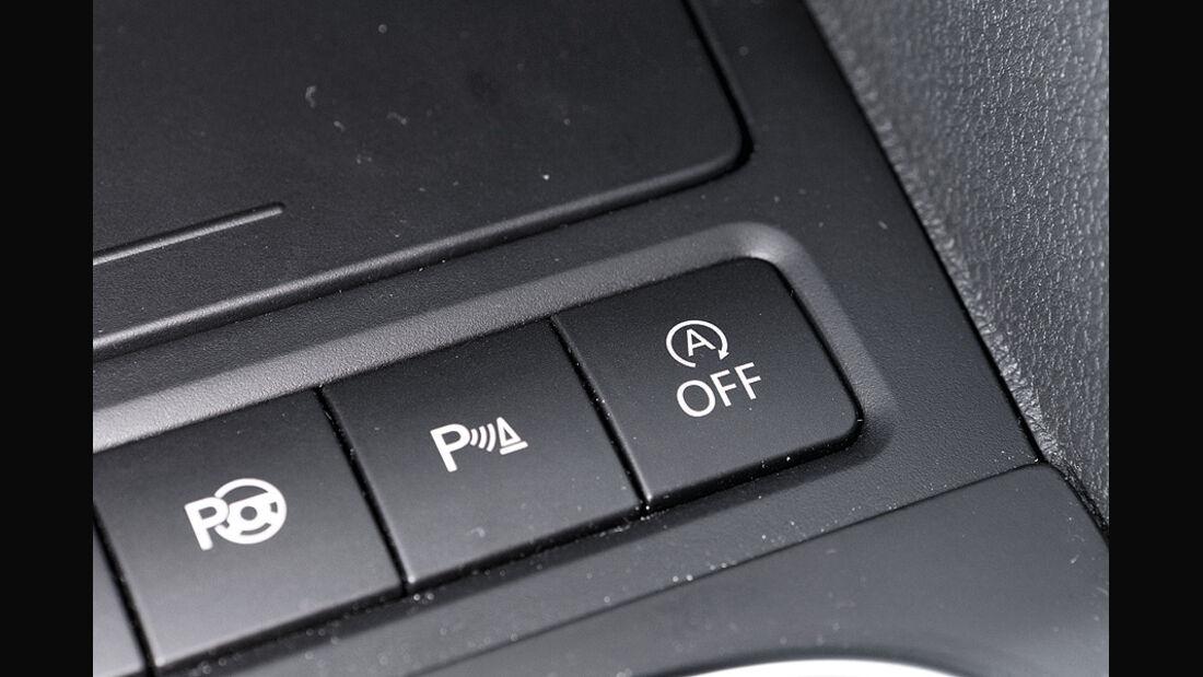 VW Golf TDI Blue Motion Cockpit