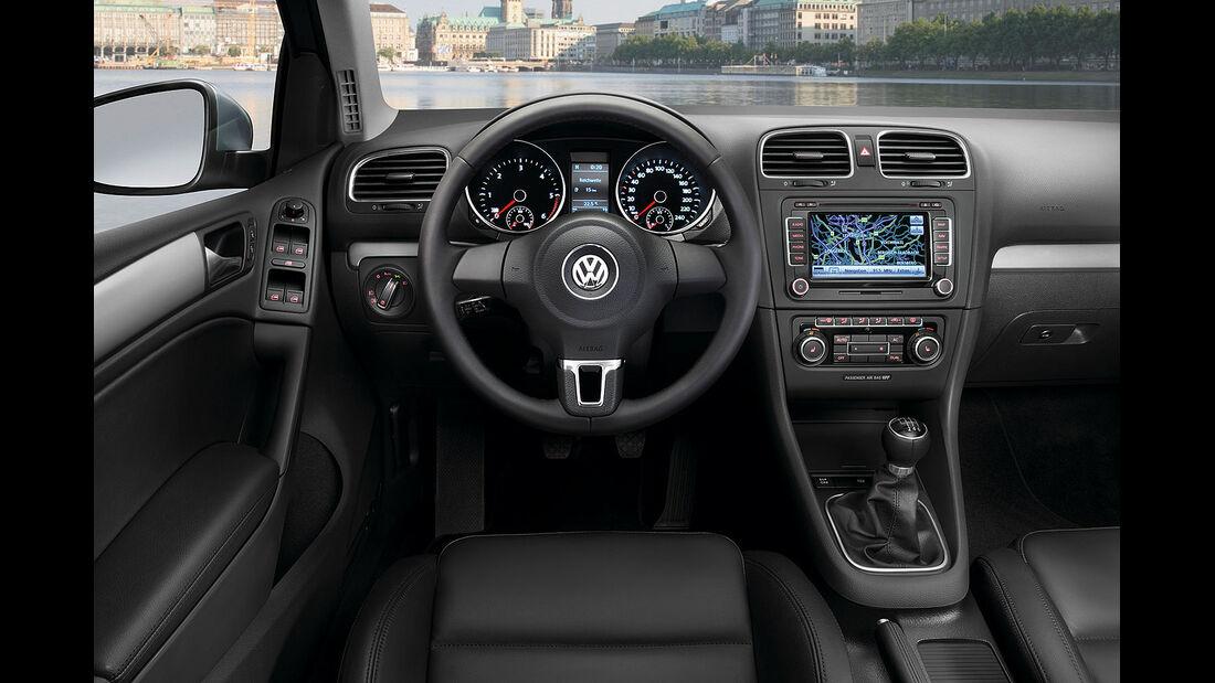 VW Golf VI Innenraum Cockpit