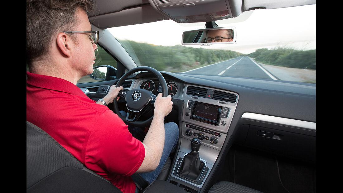 VW Golf VII, Cockpit