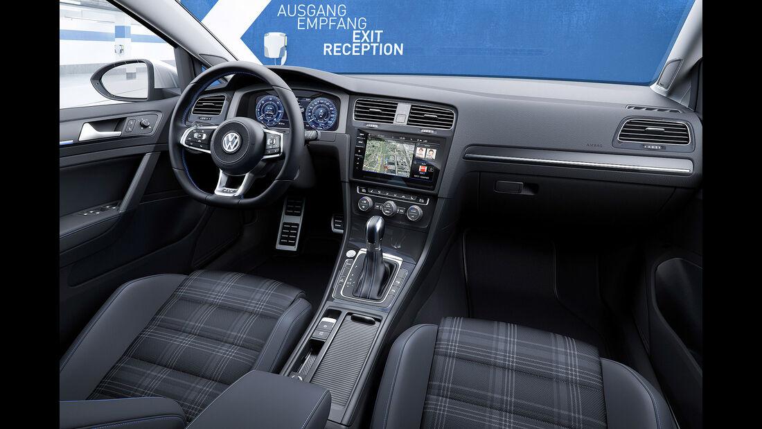 VW Golf VII Facelift (2017) GTE 5-Türer Cockpit
