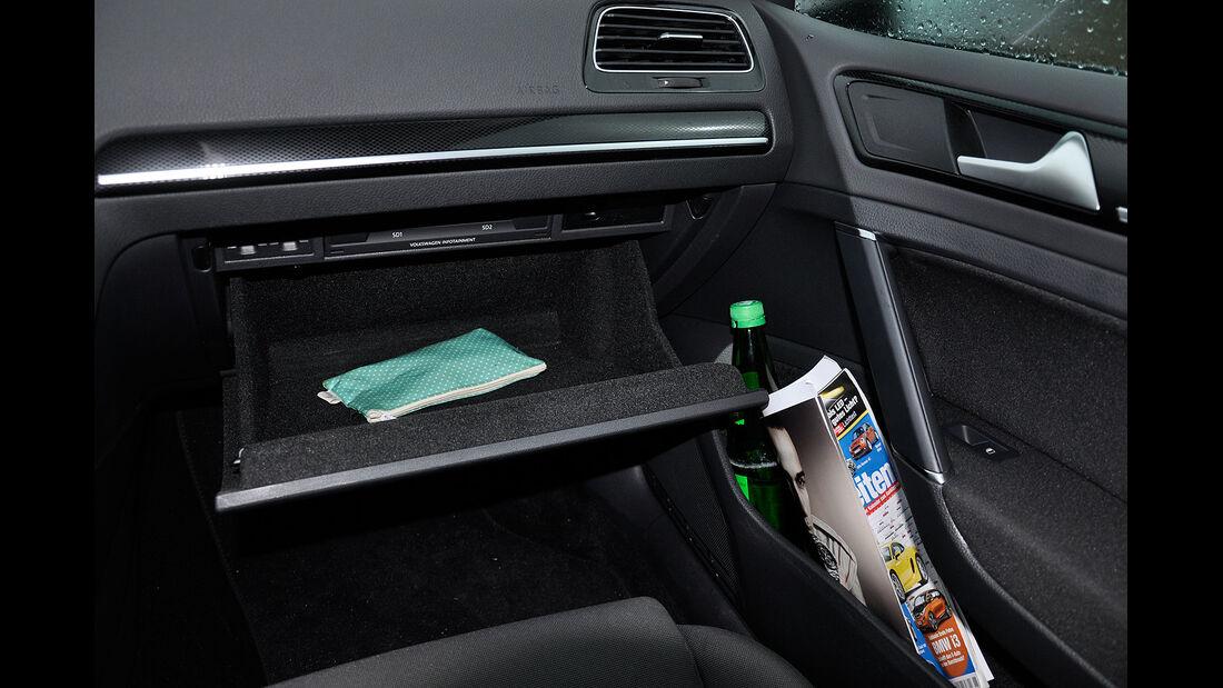 VW Golf VII, Innenraum, Handschufach