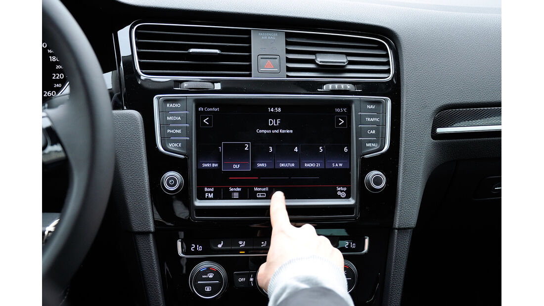 VW Golf VII, Innenraum, Infotainmentsystem, Radio