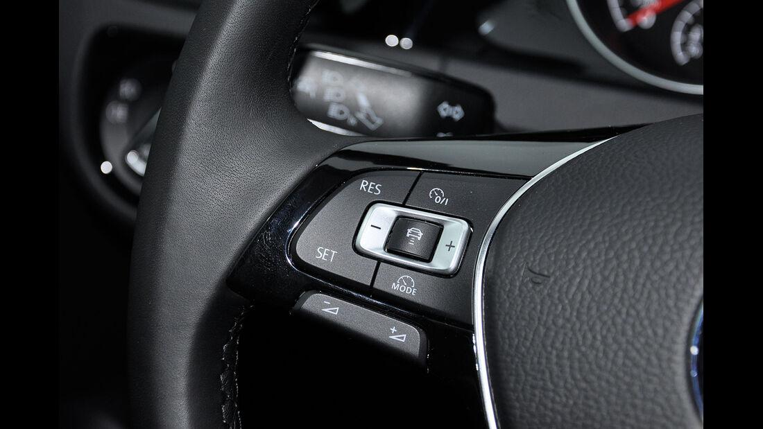 VW Golf VII, Innenraum, Multifunktionslenkrad