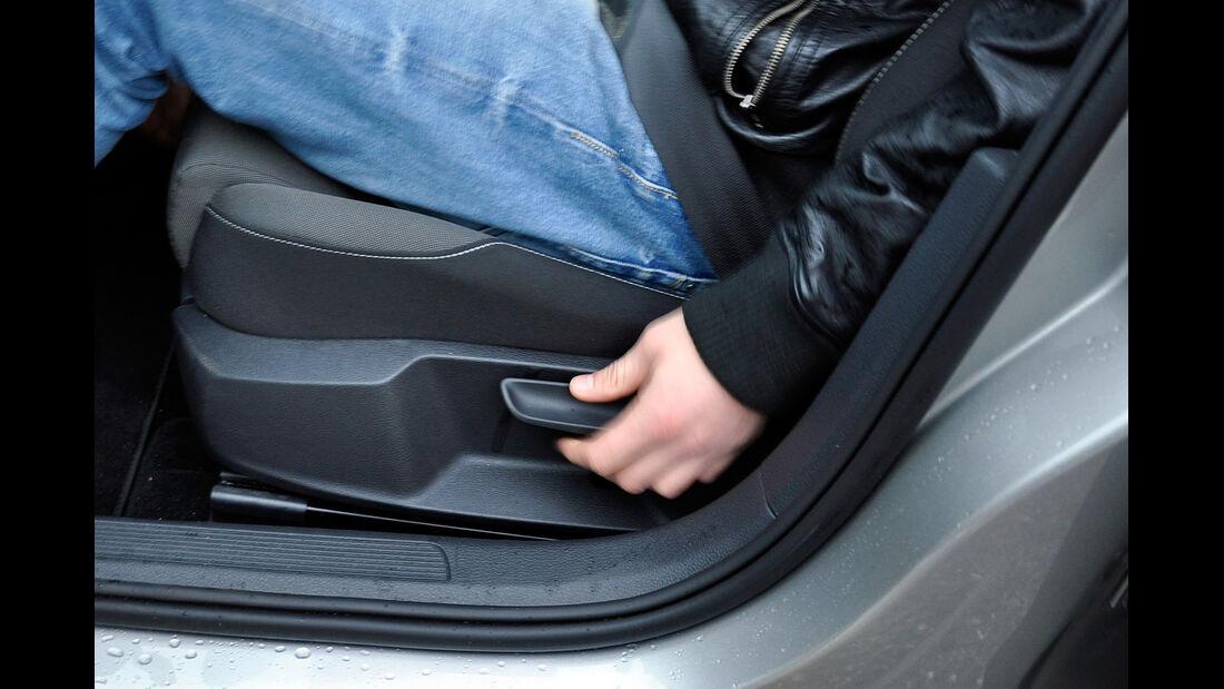 VW Golf VII, Innenraum, Sitzverstellung
