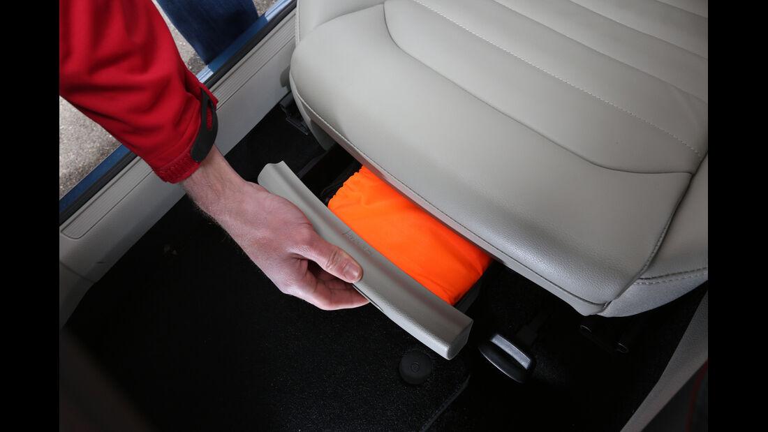 VW Golf Variant 1.4 TSI, Sitzfach