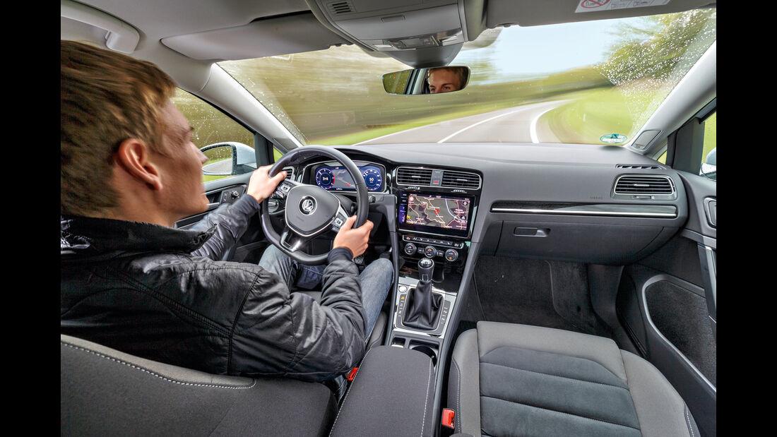 VW Golf Variant 2.0 TDI 4Motion, Cockpit