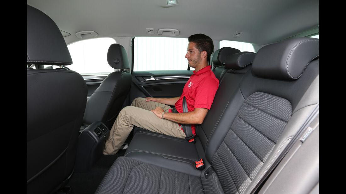 VW Golf Variant 2.0 TDI, Rücksitz, Beinffreiheit