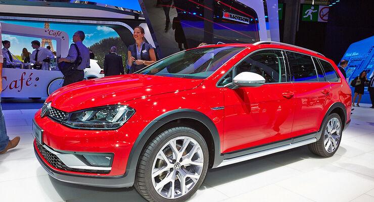 VW Golf Variant Alltrack Paris 2014