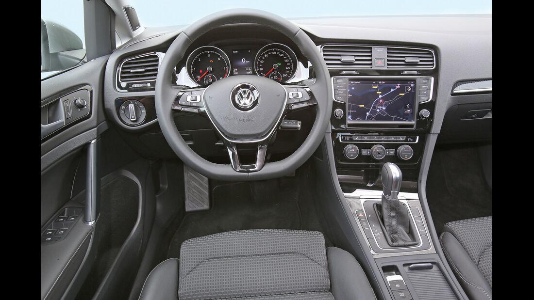 VW Golf Variant, Cockpit, Lenkrad