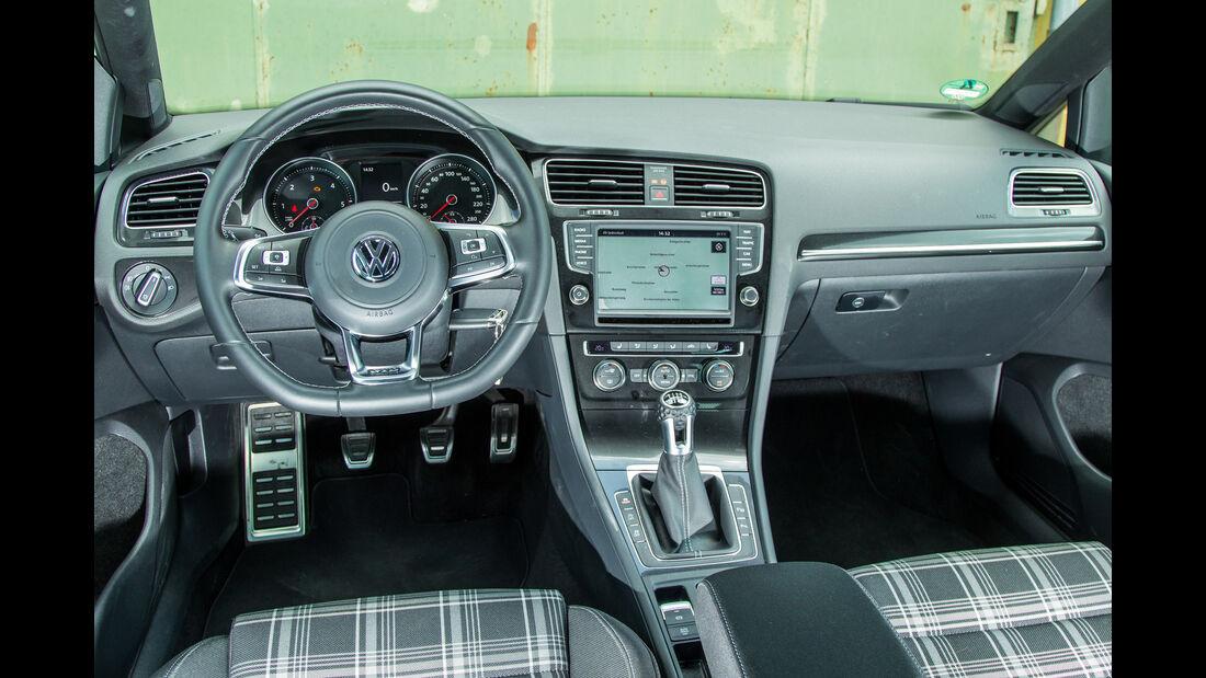 VW Golf Variant GTD, Cockpit