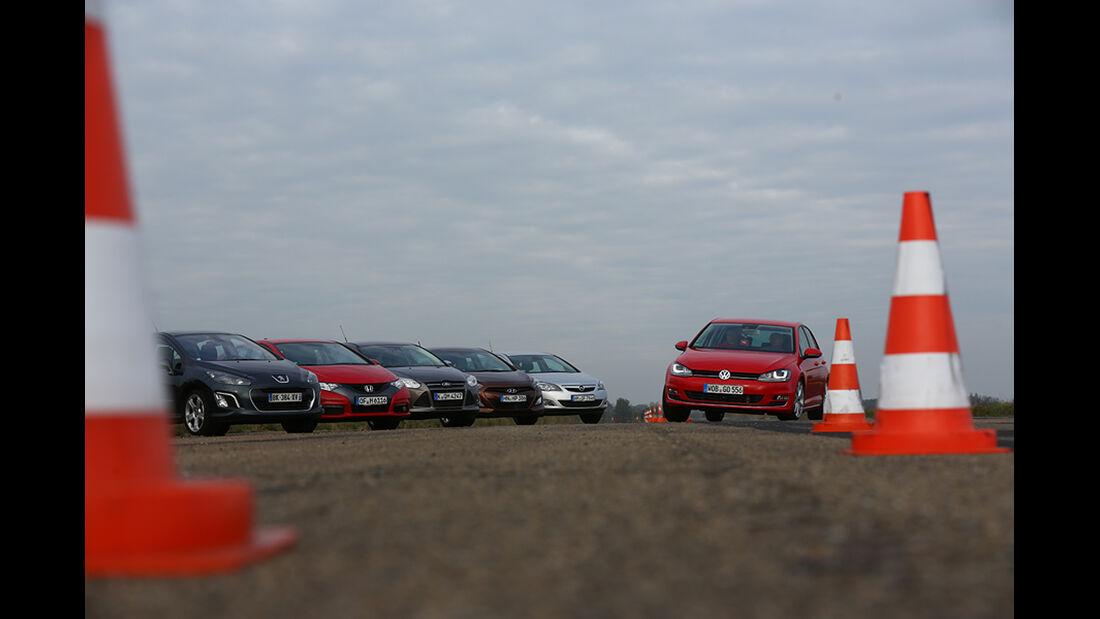 VW Golf gegen Ford Focus, Honda Civic, Opel Astra, Hyundai i30, Peugeot 308
