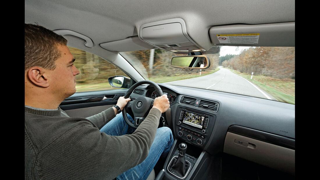 VW Jetta 1.6 TDI, Cockpit, Lenkrad