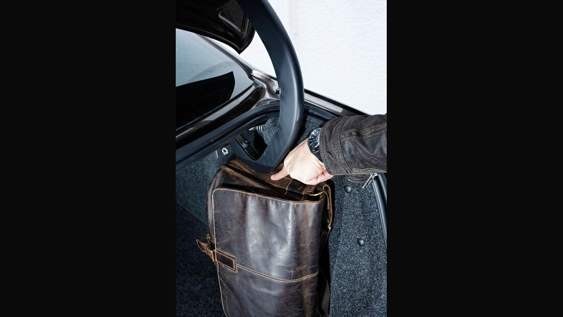 VW Jetta 1.6 TDI, Kofferraum, Tasche