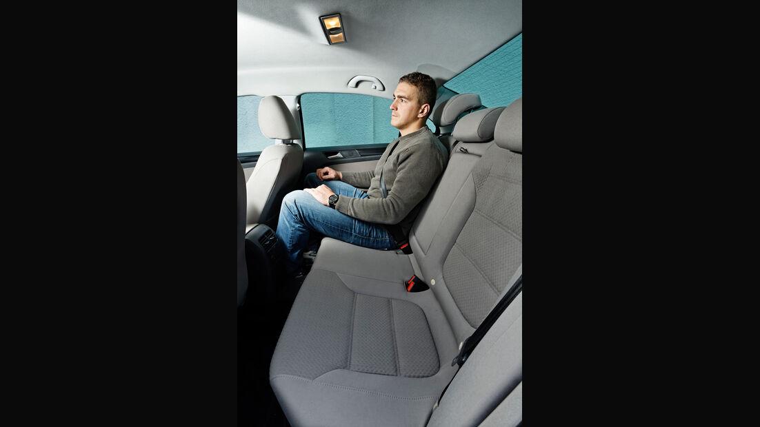 VW Jetta 1.6 TDI, Rücksitz, Beinfreiheit
