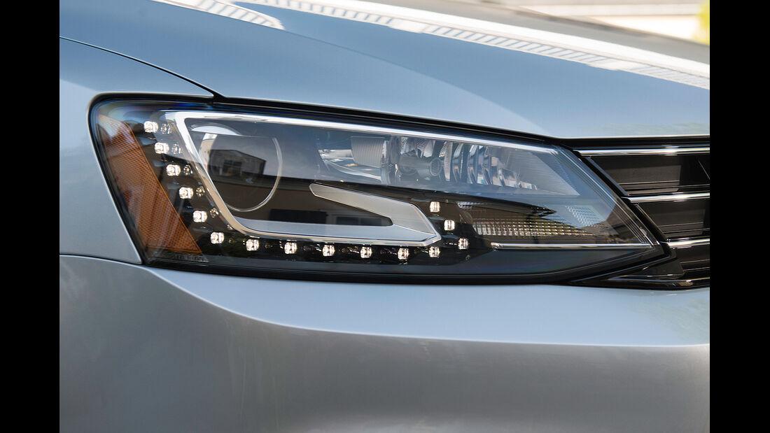 VW Jetta 2014, Scheinwerfer