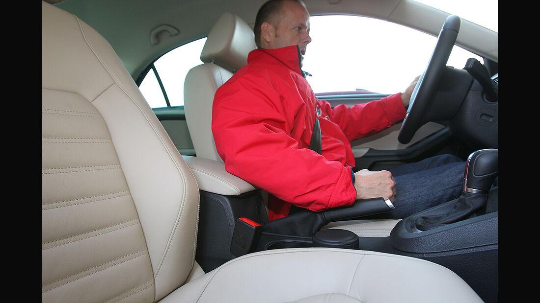 VW Jetta, Armauflage vorn